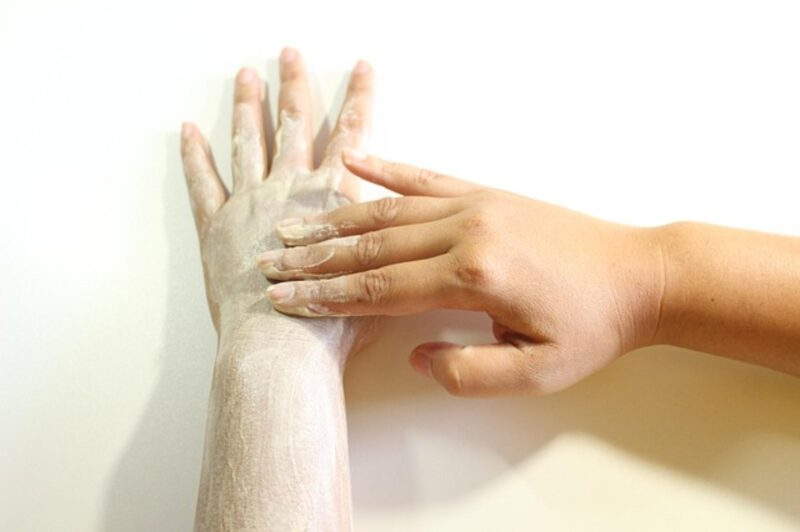 Dlaczego warto wykonywać peelingi